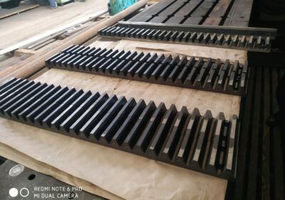 The production of toothed racks and rack drives has been adjusted